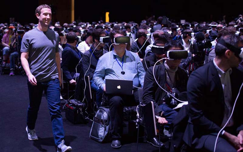 Mark Zuckerberg S7 VR launch