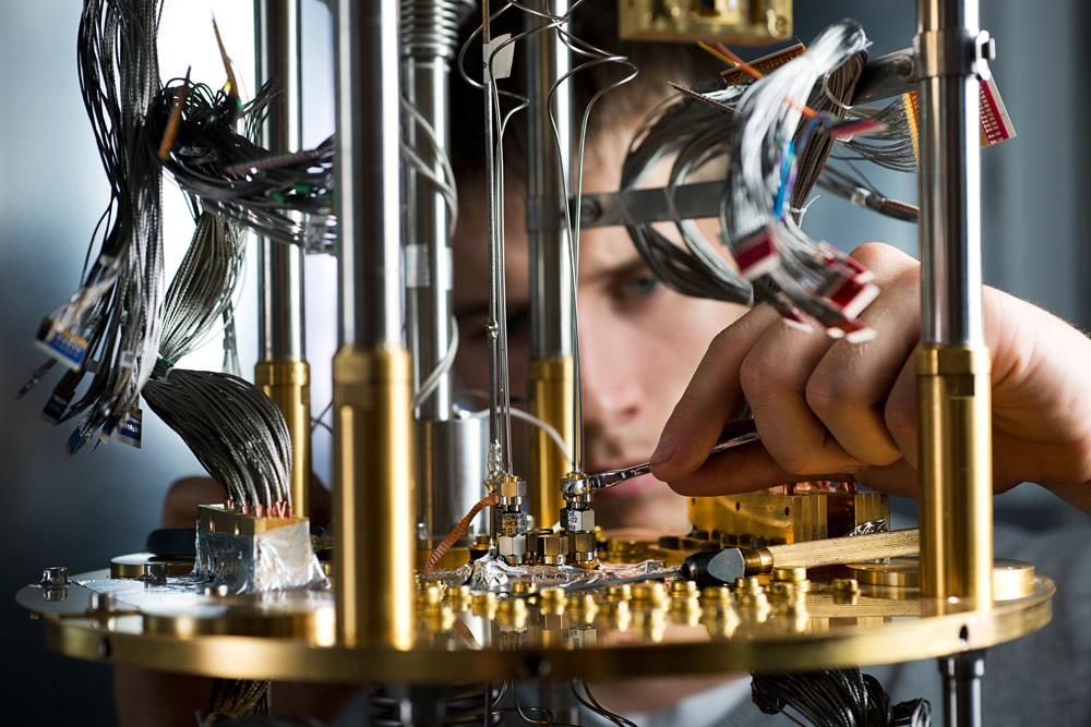 D-Wave open sources quantum computing software